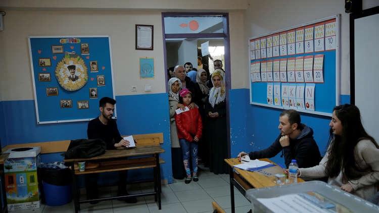 نتائج أولية.. حزب أردوغان يتصدر الانتخابات المحلية باسطنبول ويتراجع في أنقرة وإزميروأنطاليا